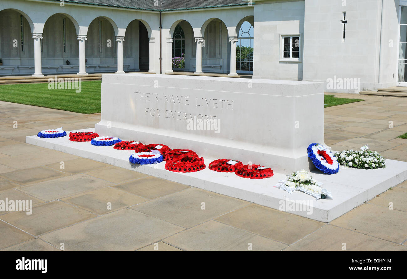 Poppy wreaths at the Runnymede Air Forces Memorial, Egham Surrey - Stock Image
