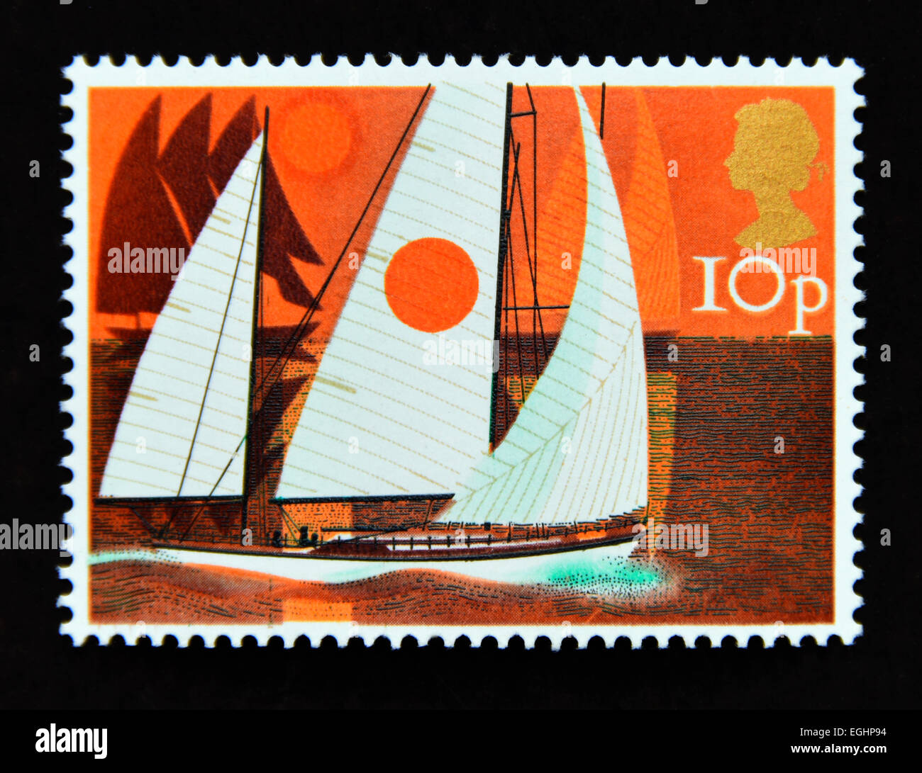 Postage stamp. Great Britain. Queen Elizabeth II. 1975. Sailing. Cruising Yachts. 10p. - Stock Image