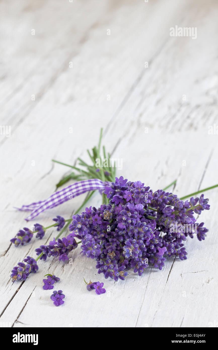 Lavendel, Blüten, Duft, Strauß, Holz - Stock Image