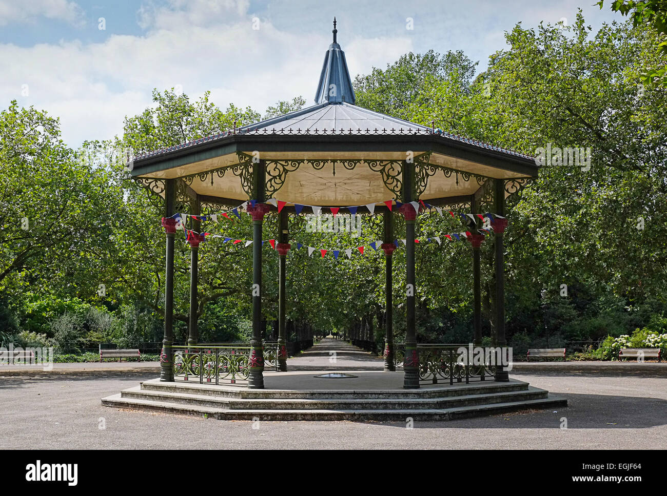 the Victorian bandstand in London's Battersea Park. - Stock Image