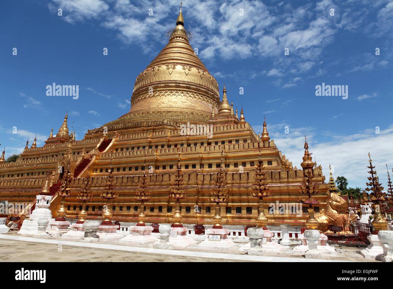 Shwe ze gong Temple, Bagan. Burma Stock Photo