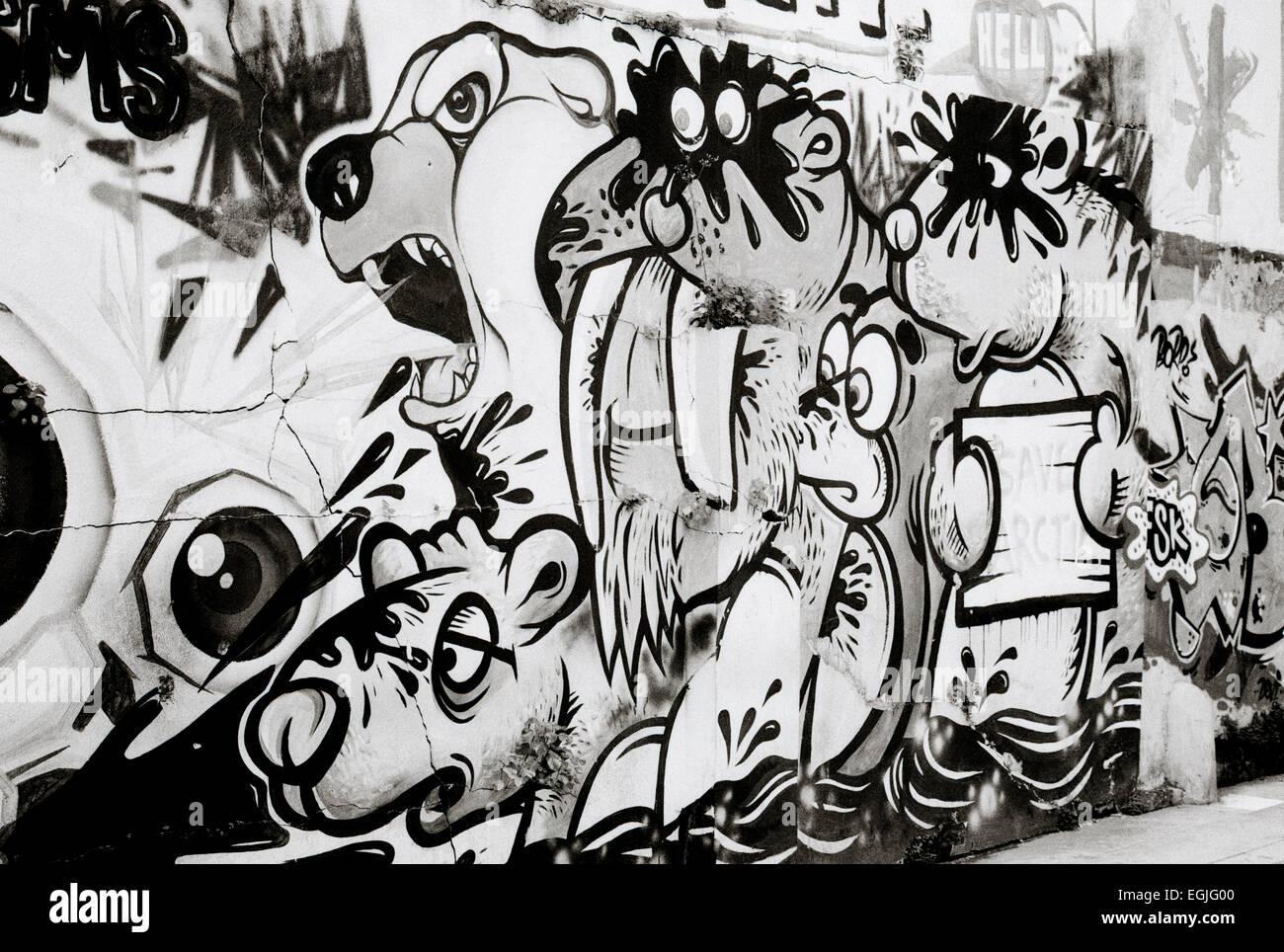 Fantastique Urban street art graffiti in Surabaya in Java in Indonesia in QE-25