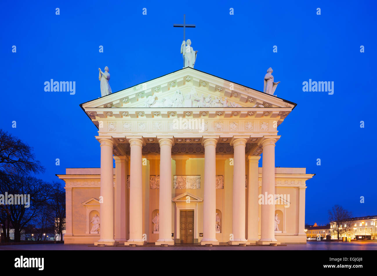 Europe, Baltic states, Lithuania, Vilnius, St. Stanislaus Cathedral in Cathedral Square - Stock Image