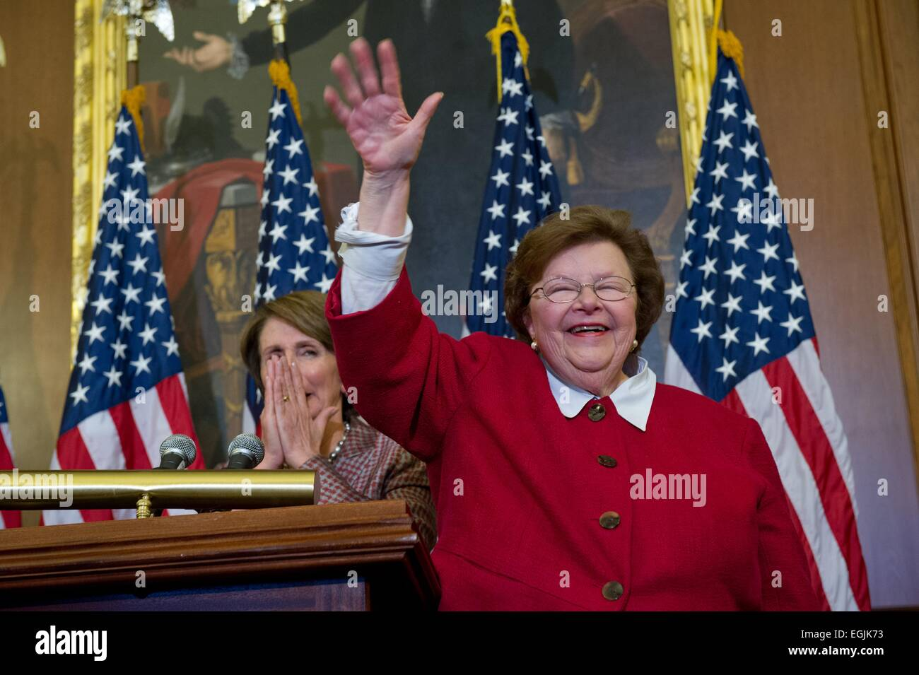 US Democratic Senator Barbara Mikulski smiles and waves during a ceremony announcing her as the longest serving - Stock Image