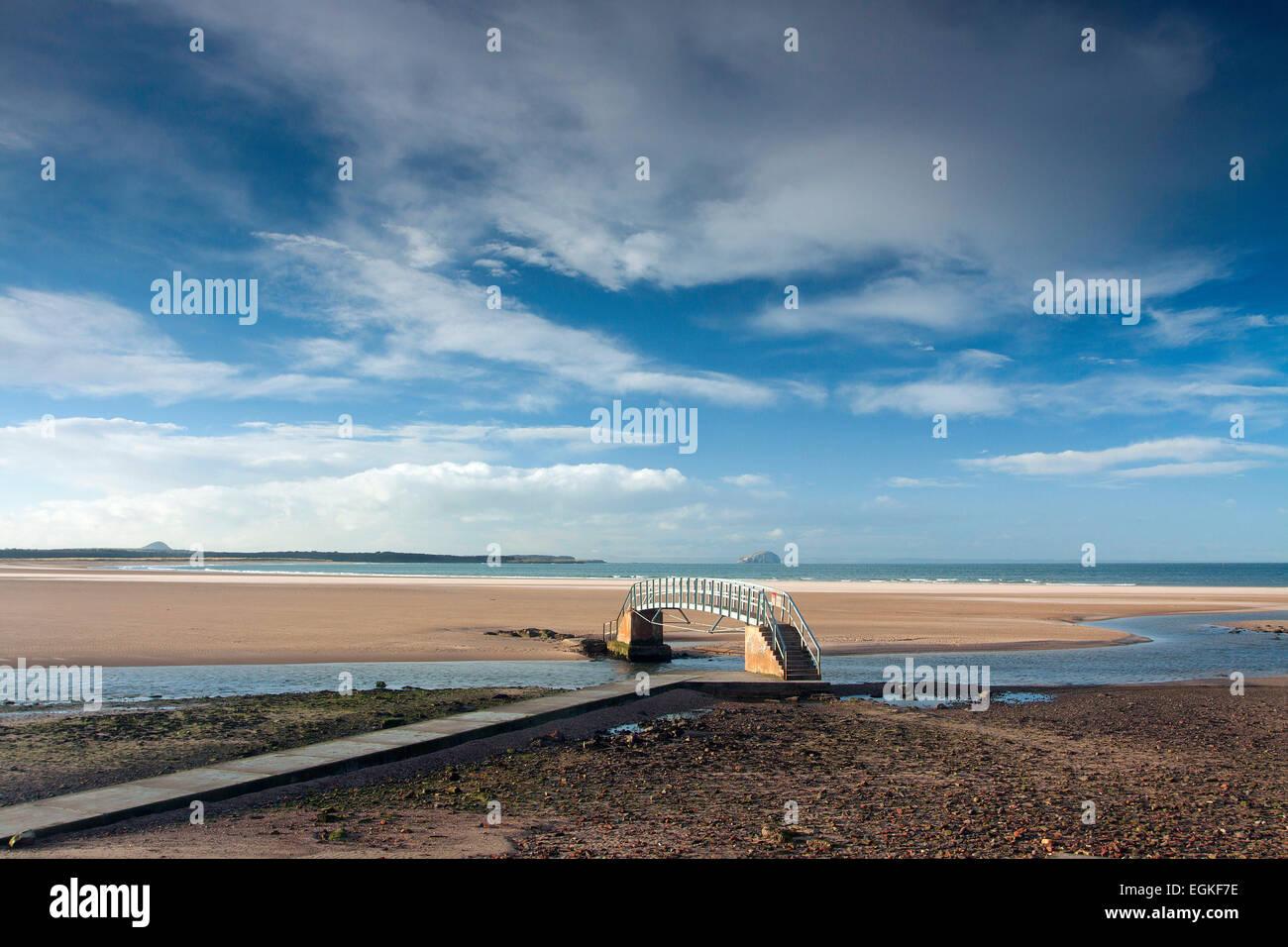 The Bridge to Nowhere, Belhaven Bay, John Muir Country Park, Dunbar, East Lothian - Stock Image