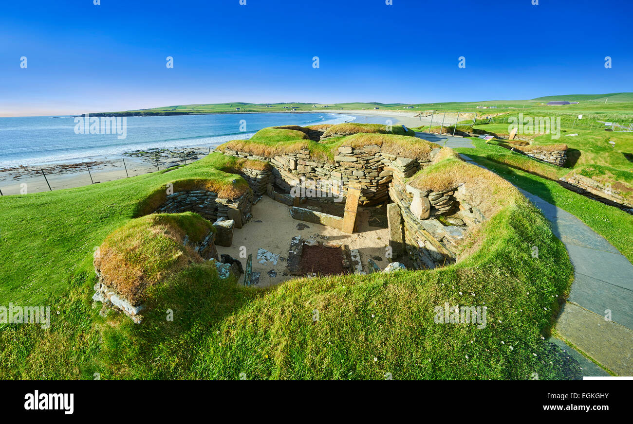 The neolithic village ruins of Skara Brae, circa 2,500,  a UNESCO World Heritage Site. Orkney, Scotland - Stock Image