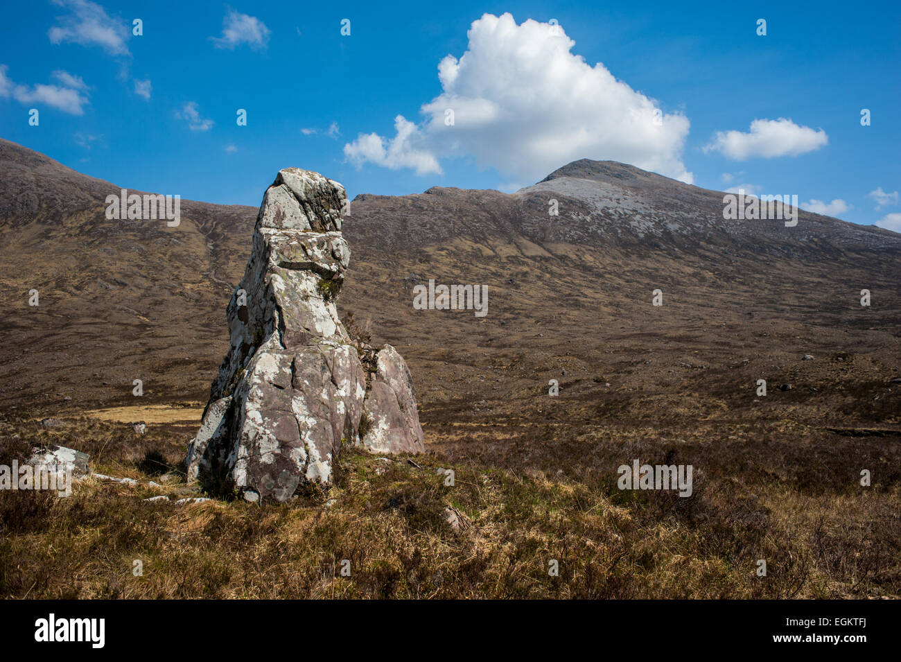 Clach nan Con-fionn (The stone of Fingal's dog). Where the Celtic giant Fingal is reputed to have tethered his - Stock Image