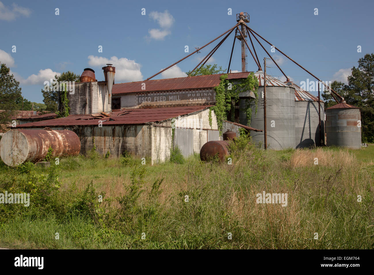 Abandoned mill ruins where the television series The Walking Dead is filmed May 7, 2013 in Haralson, Georgia. - Stock Image