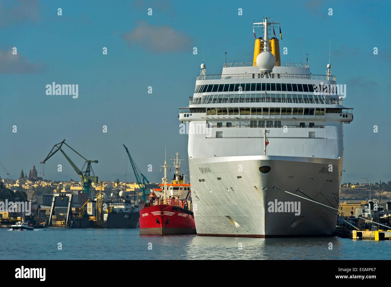 Cruise ship P&O Oriana in the port, Valletta, Malta - Stock Image