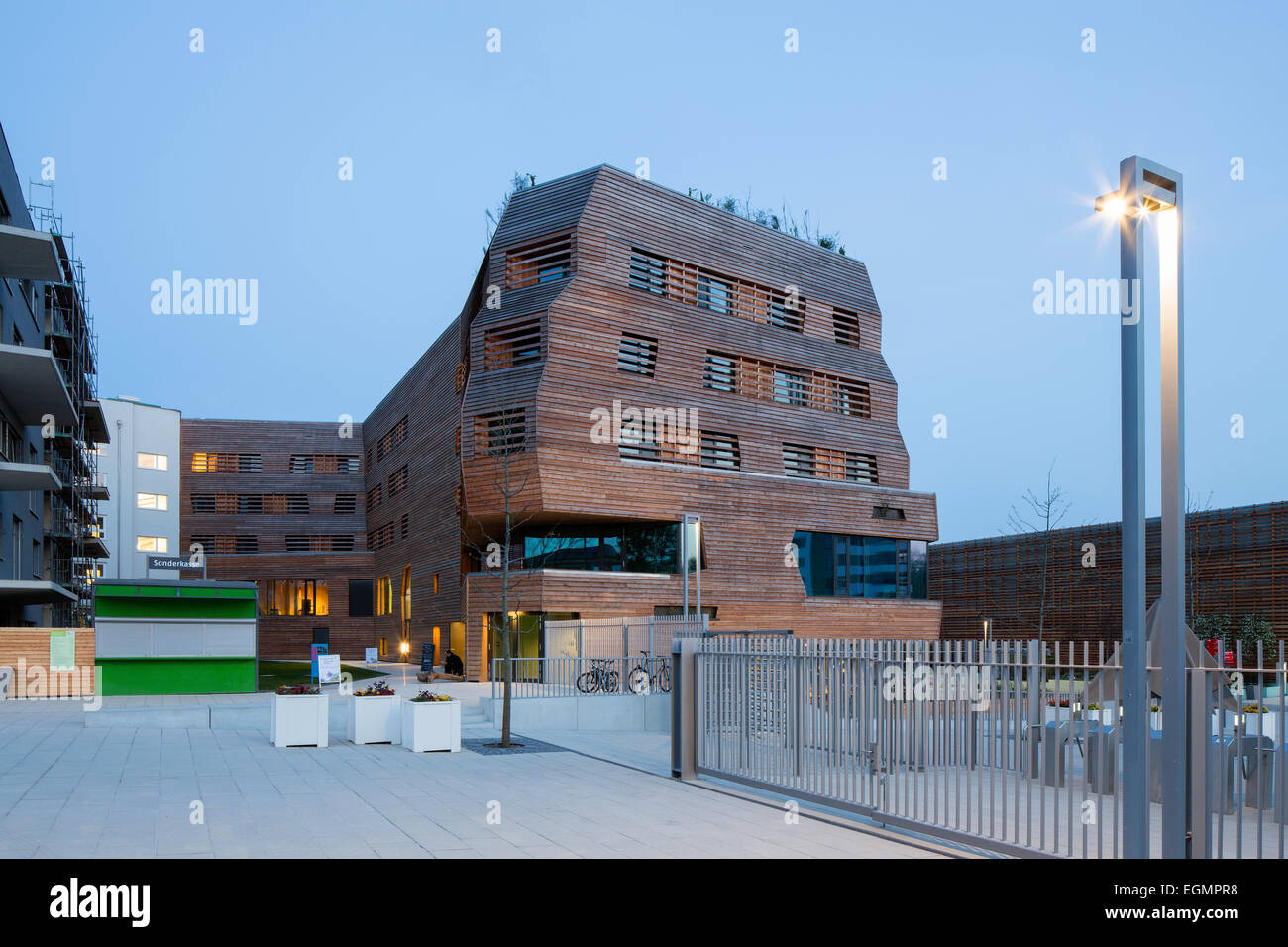 Wälderhaus wooden house, hotel and permanent exhibition, International Building Exhibition Hamburg, Inselpark, - Stock Image