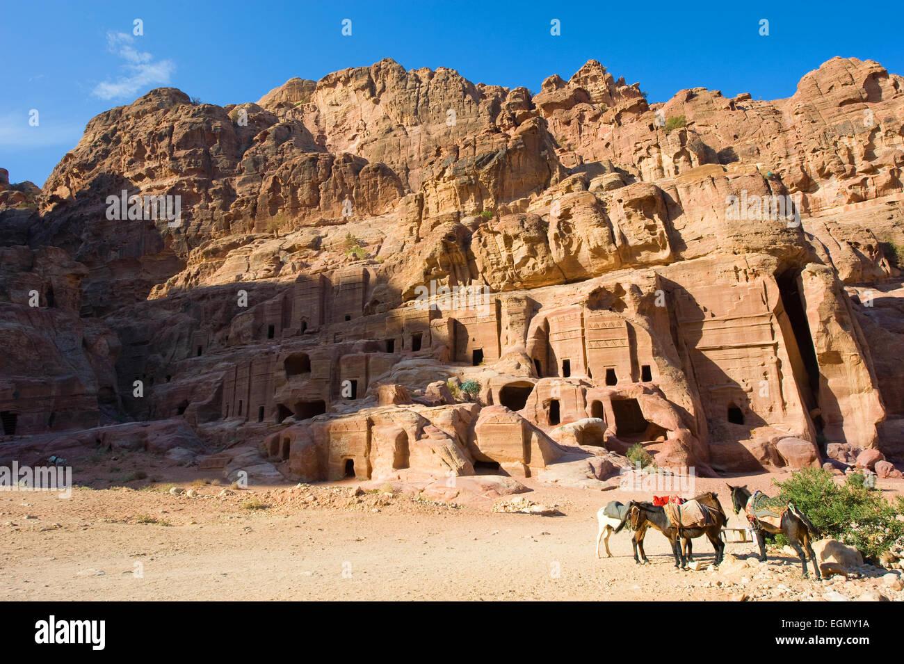PETRA, JORDAN - 12OCTOBER, 2014: Caves in the rocks in Petra in Jordan - Stock Image