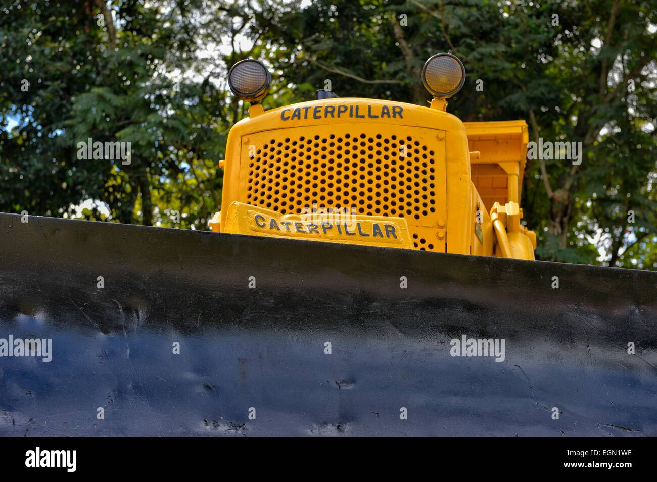 Caterpillar bulldozer from the Cuban Revolution, where the train and carriages were attacked and derailed, Santa - Stock Image