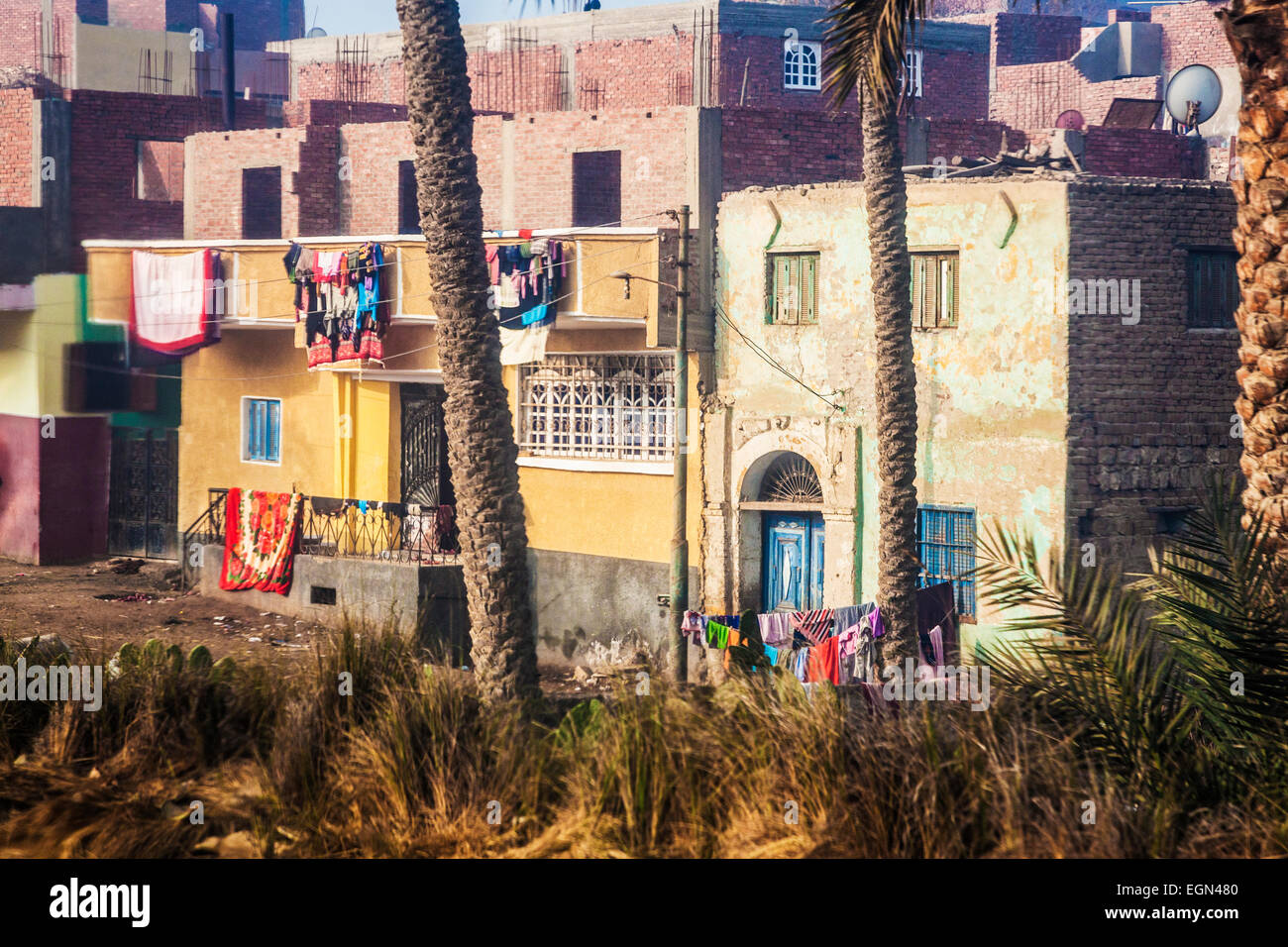An Egyptian village in the rural countryside between Luxor and Cairo. - Stock Image