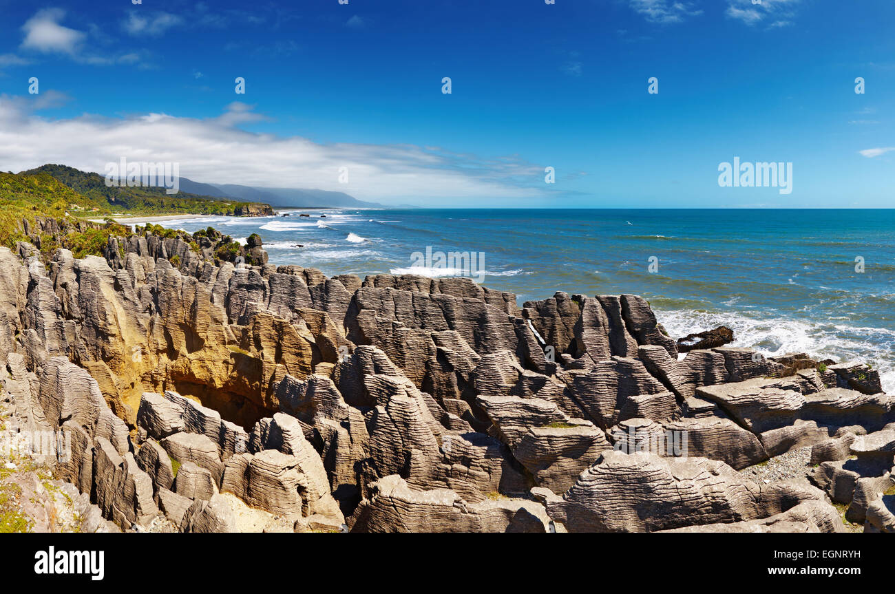 Punakaiki Pancake Rocks, West Coast, New Zealand - Stock Image
