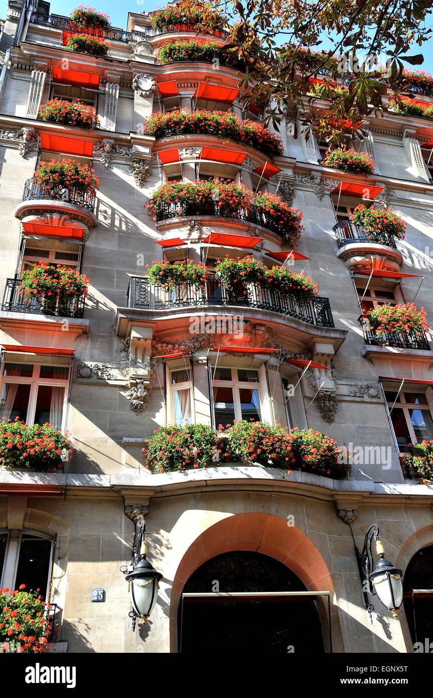 Plaza Athenee Palace Hotel Montaigne Avenue Paris France