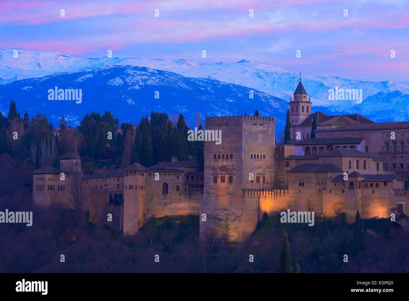Alhambra, UNESCO World Heritage Site,Sierra Nevada and la Alhambra at Dusk, Granada, Andalusia, Spain - Stock Image