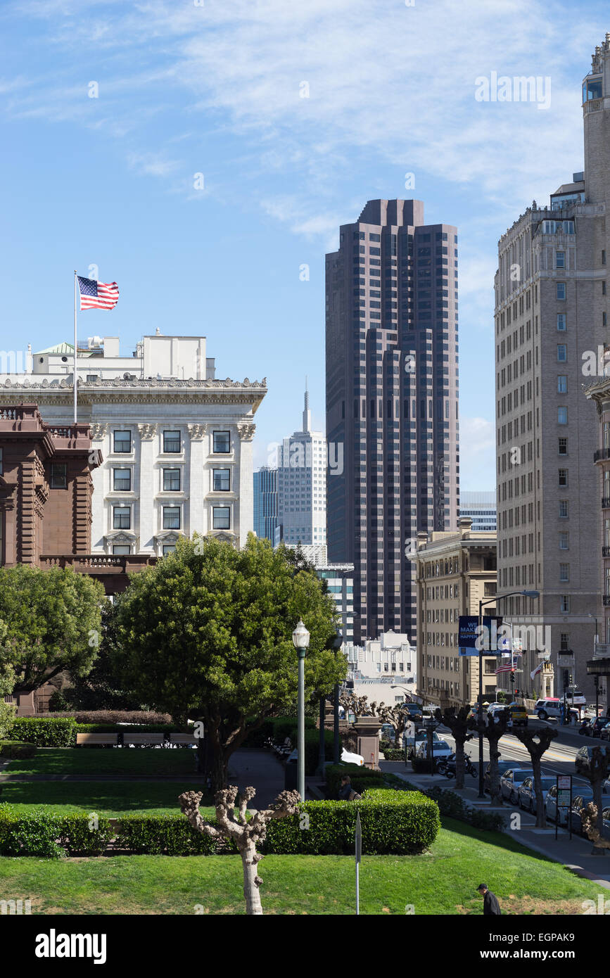 View of the Bank of America building from Nob Hill, San Francisco. - Stock Image