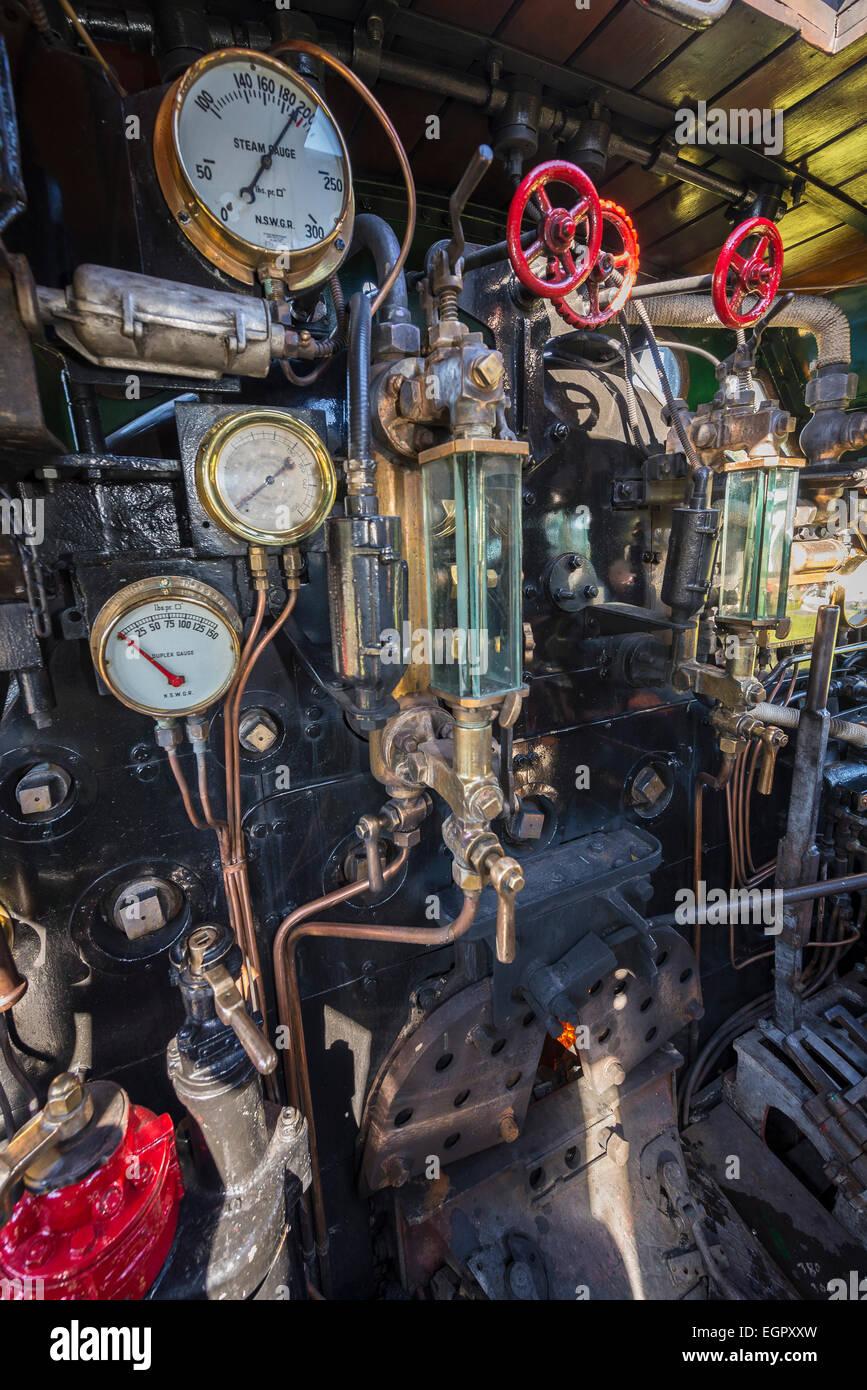 Sydney, Australia. 1st March, 2015. View inside the cab of Beyer-Garratt locomotive 6029 'City of Canberra'. - Stock Image