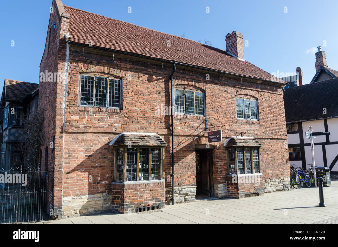 The Shakespeare Birthplace Trust Giftshop In Stratford Upon Avon