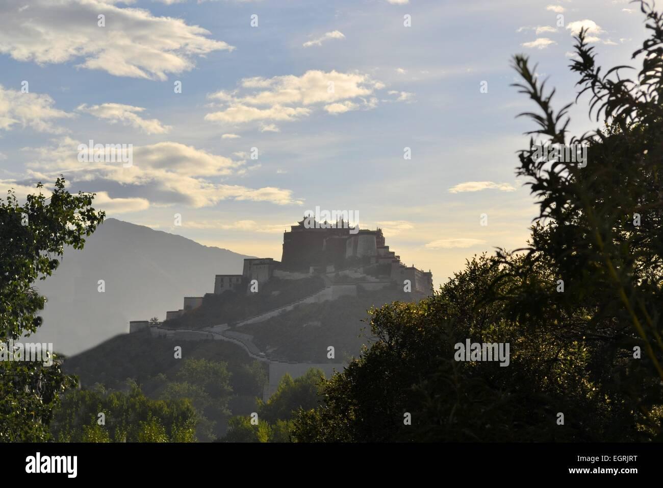 Potala Palace, former seat of Dalai Lama in Lhasa, Tibet - Stock Image