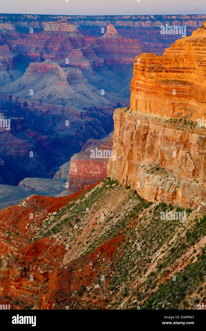 Canyon rock formations (Hopi Point on right) from Mohave Point off Hermit Road, Grand Canyon National Park, Arizona - Stock Image
