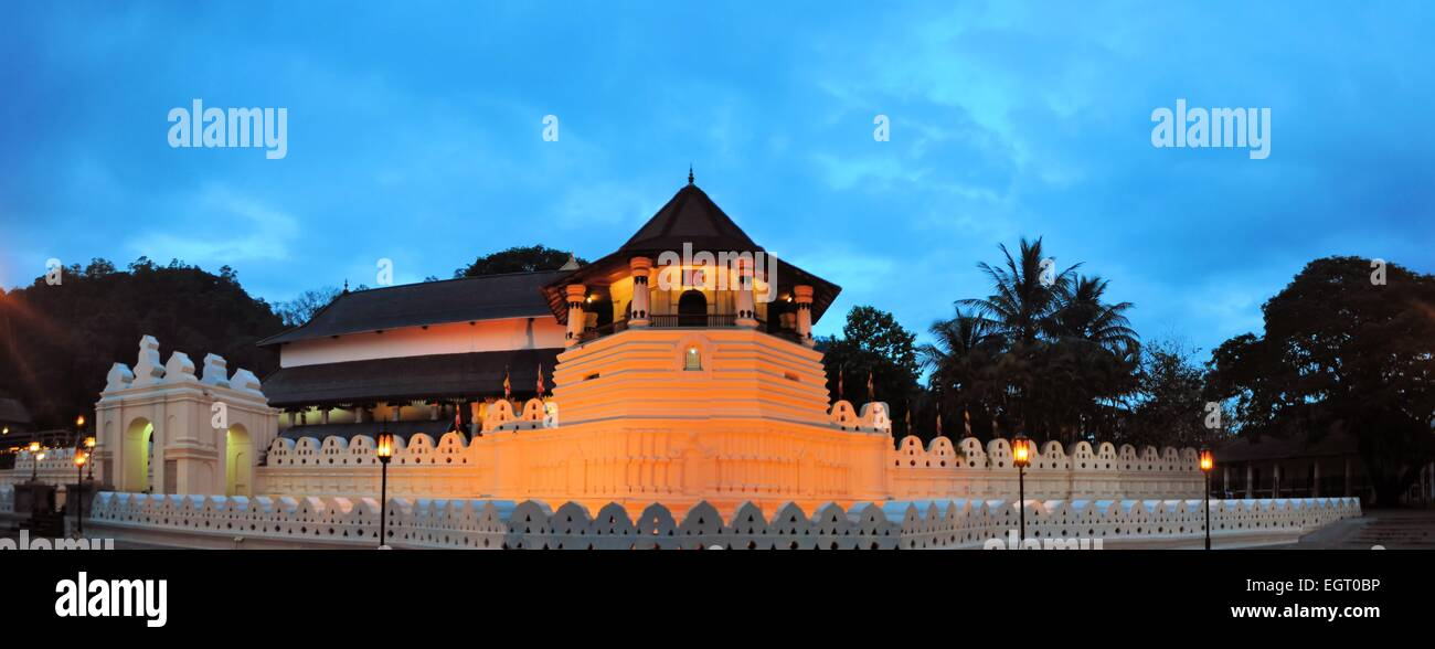 Buddhist Temple of the Tooth, Kandy, Sri Lanka - Stock Image