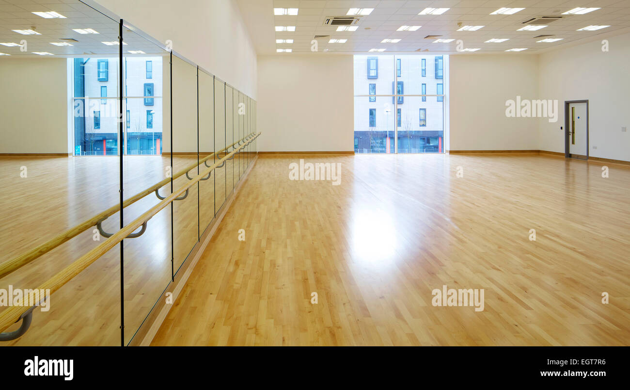 Dance Studio Interior Empty High Resolution Stock Photography And Images Alamy