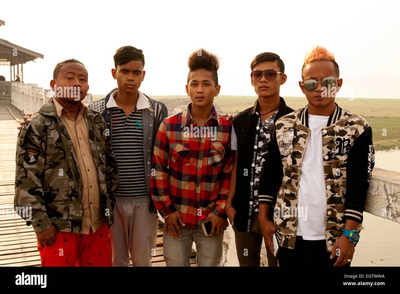 A group of five burmese teenager boys, Mandalay, Myanmar ( Burma ), Asia - Stock Image