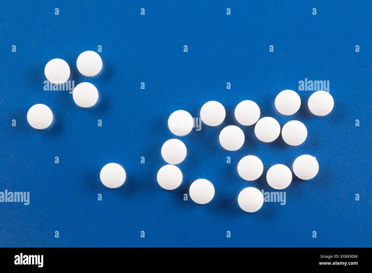 Vitamin D supplements 1000 IU (Vitamin D3) - Stock Image