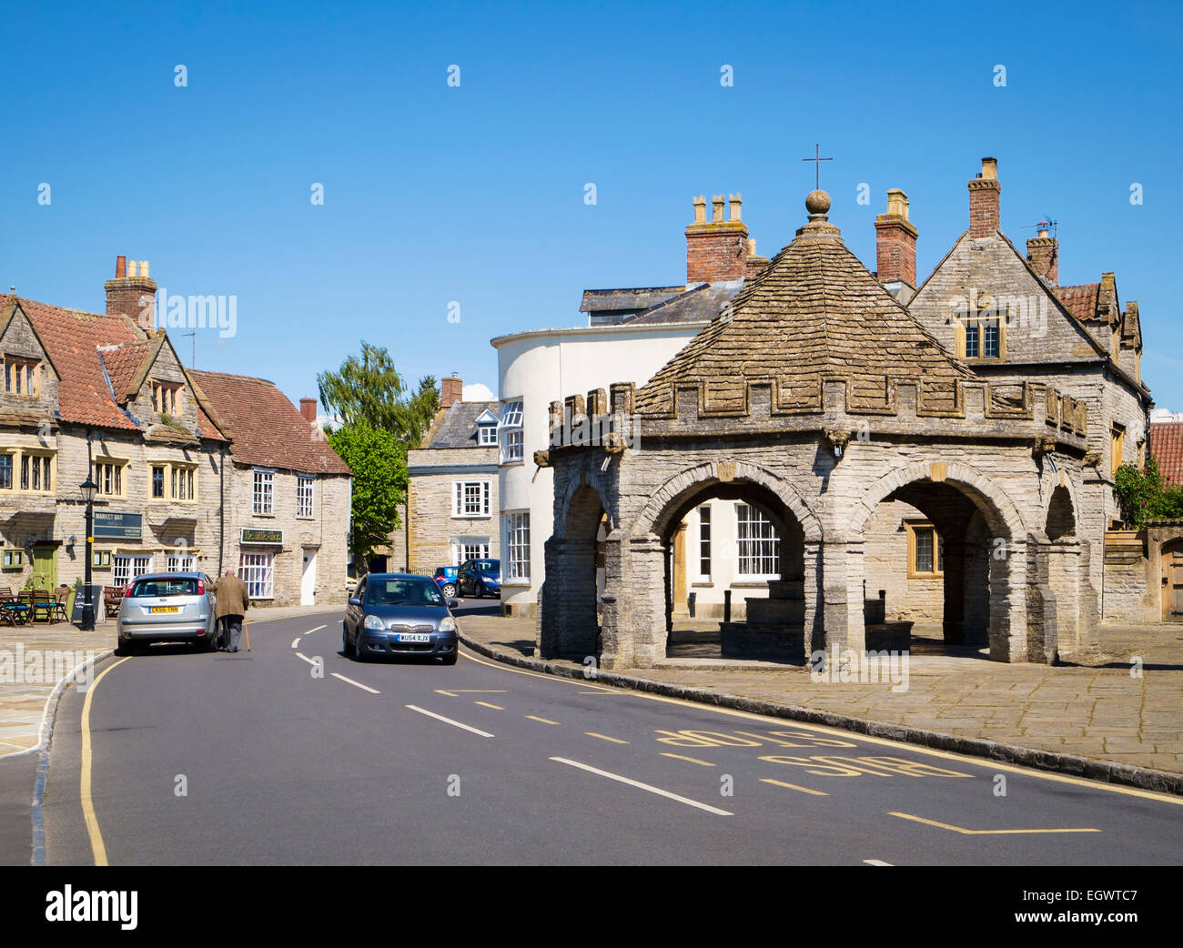 Somerton - a beautiful old small market town in Somerset, England, UK with the ancient market cross - Stock Image