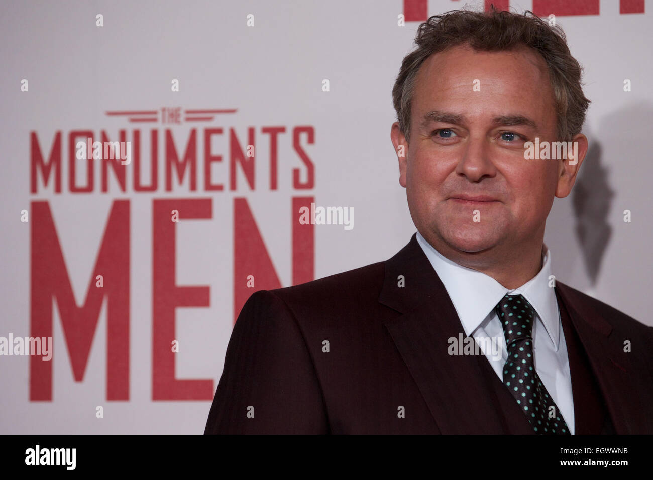 UNITED KINGDOM, London : British actor Hugh Bonneville poses on the red carpet as he arrives for the UK premiere - Stock Image