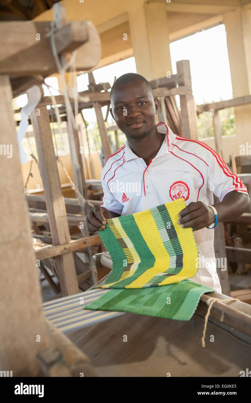 Weaving workshop - Dar es Salaam, Tanzania, East Africa Stock Photo