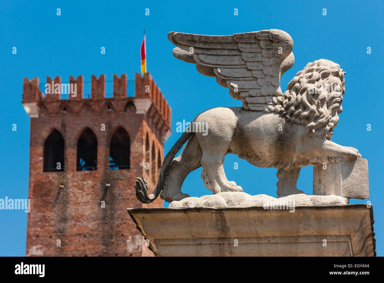 Bassano del Grappa, Libertà Square, The Lion of St. Mark - Stock Image