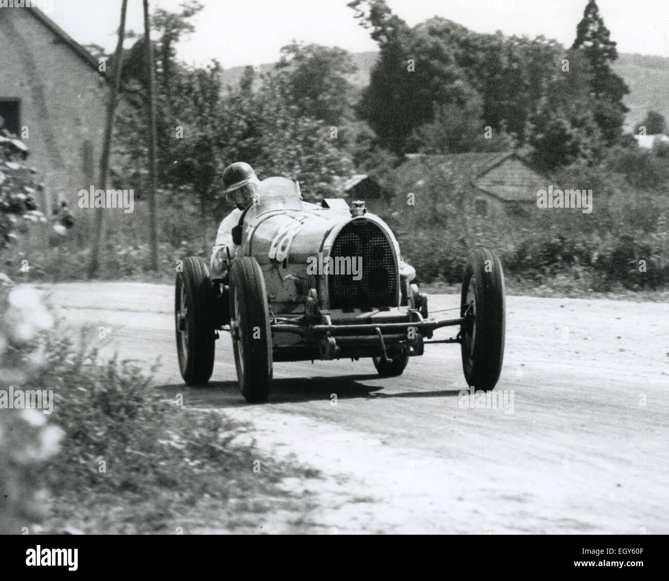 1932 FRENCH GRAND  PRIX Bugatti T54 No 28 was driven by both Earl Howe and Hugh Hamilton - Stock Image