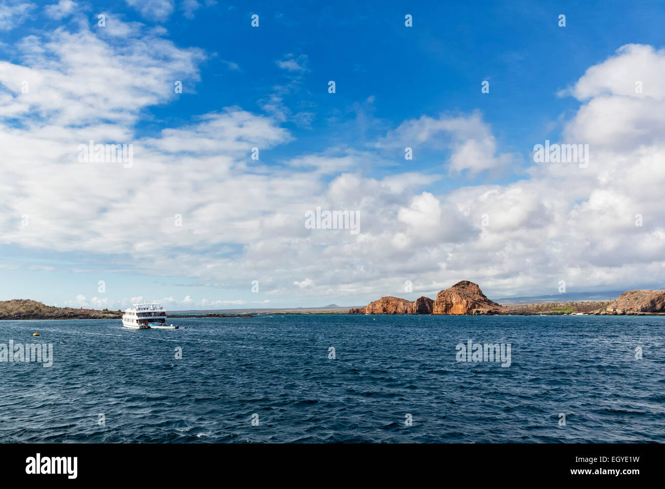 Ecuador, Galapagos Islands, Plaza Sur, cruise liner driving on the Pacific Ocean - Stock Image