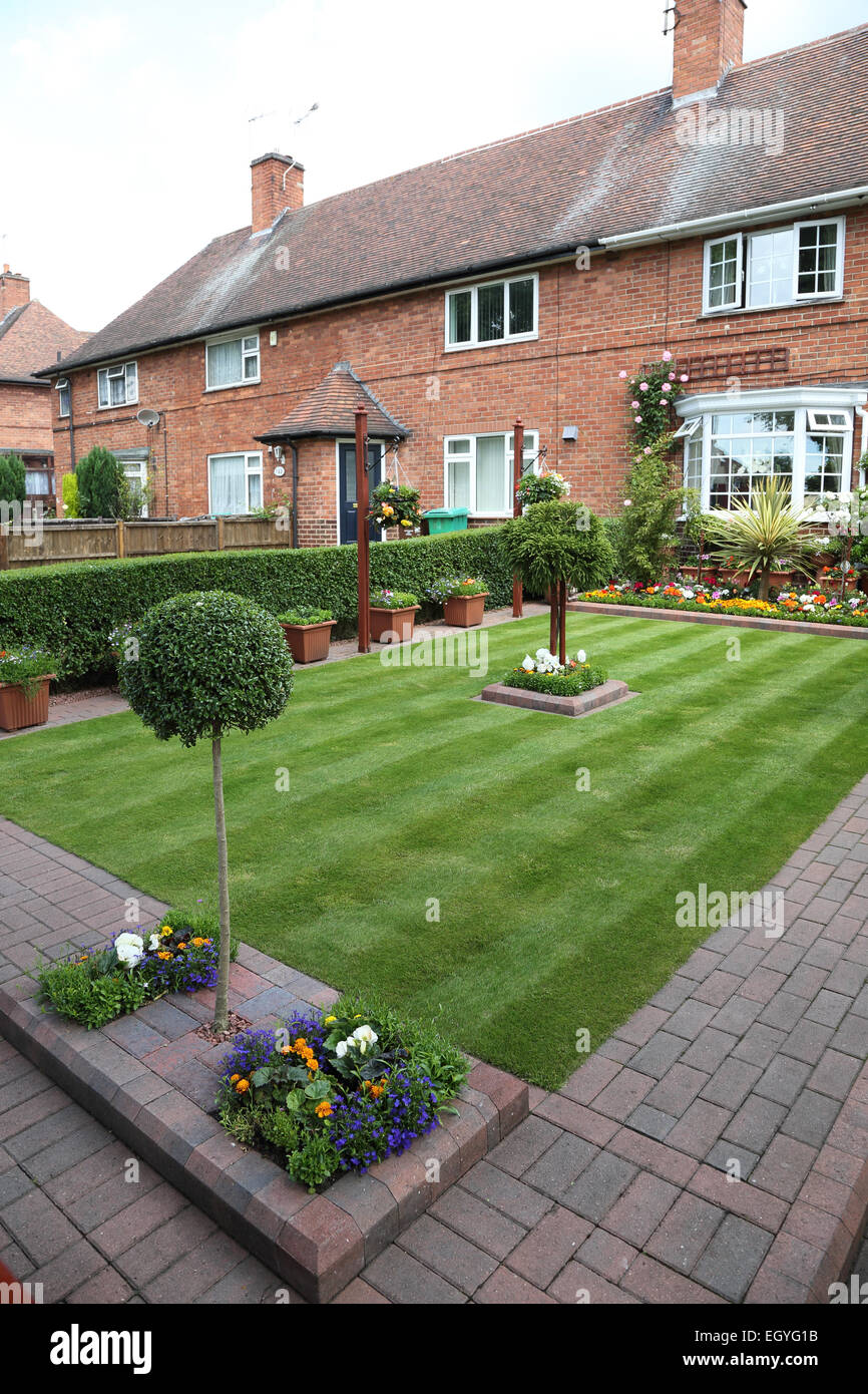 Manicured well kept ornate front garden, Nottingham - Stock Image