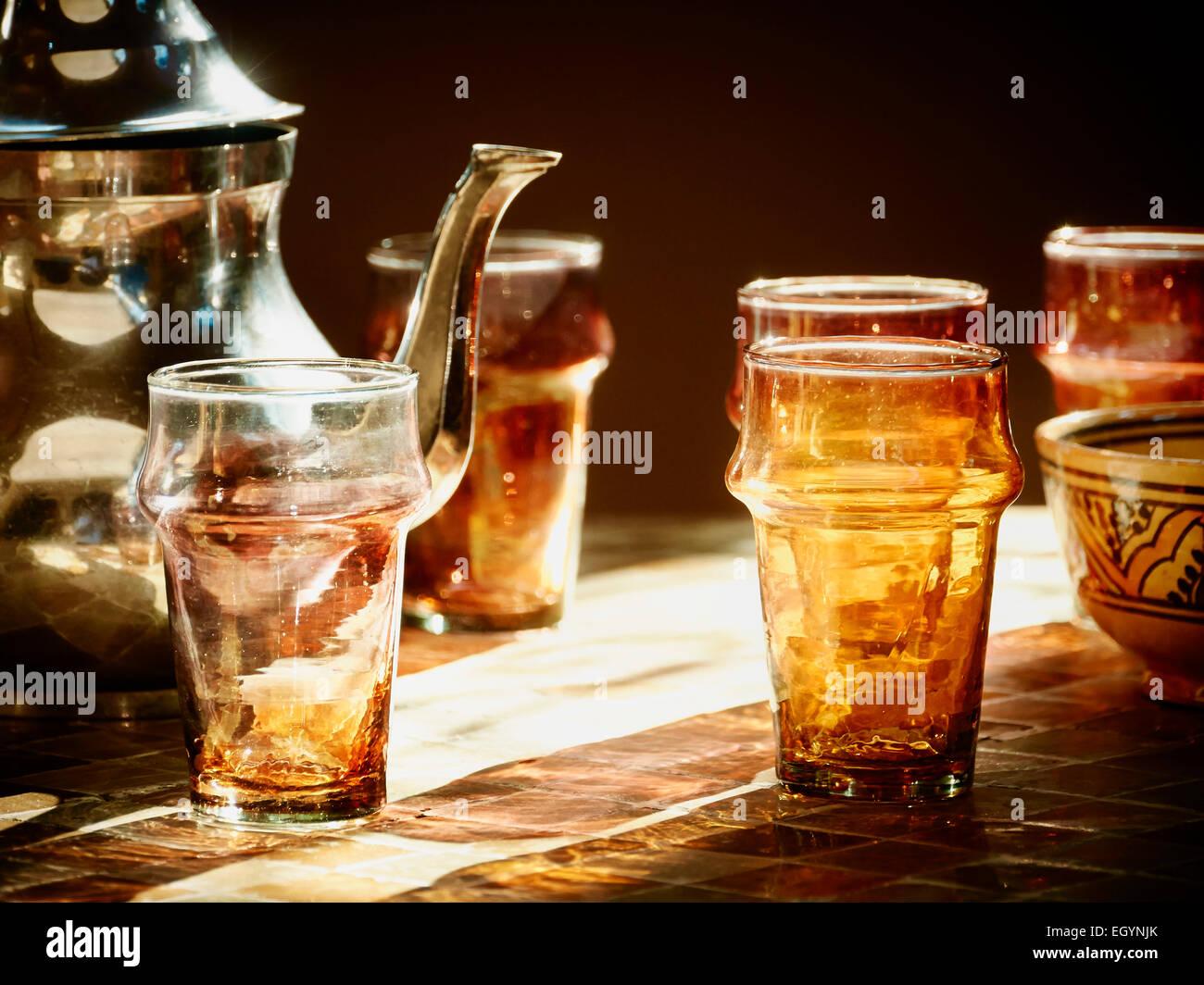 Morocco, Casablanca, tea pot and tea glasses in a teahouse Stock Photo