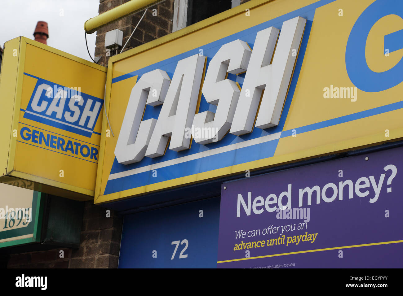 Shop sign offering payday loans - Stock Image