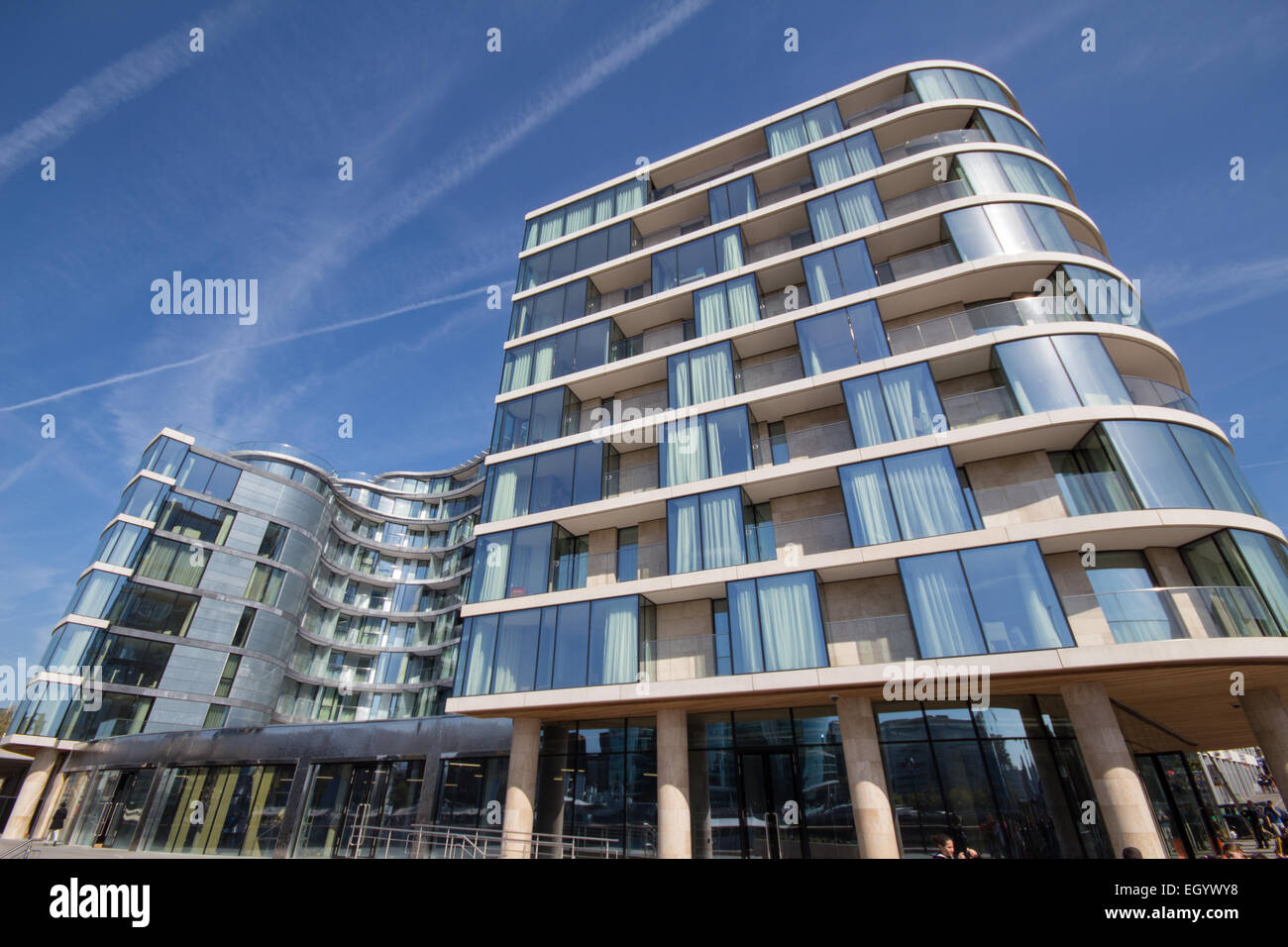 Cheval three quays apartment hotel on the river thames for London appart hotel