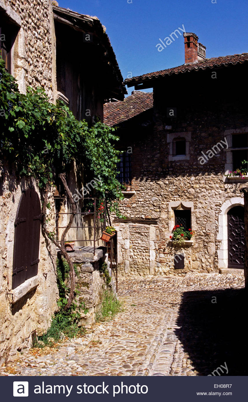 France, Rhone-Alpes, Ain, old city of Perouges Stock Photo