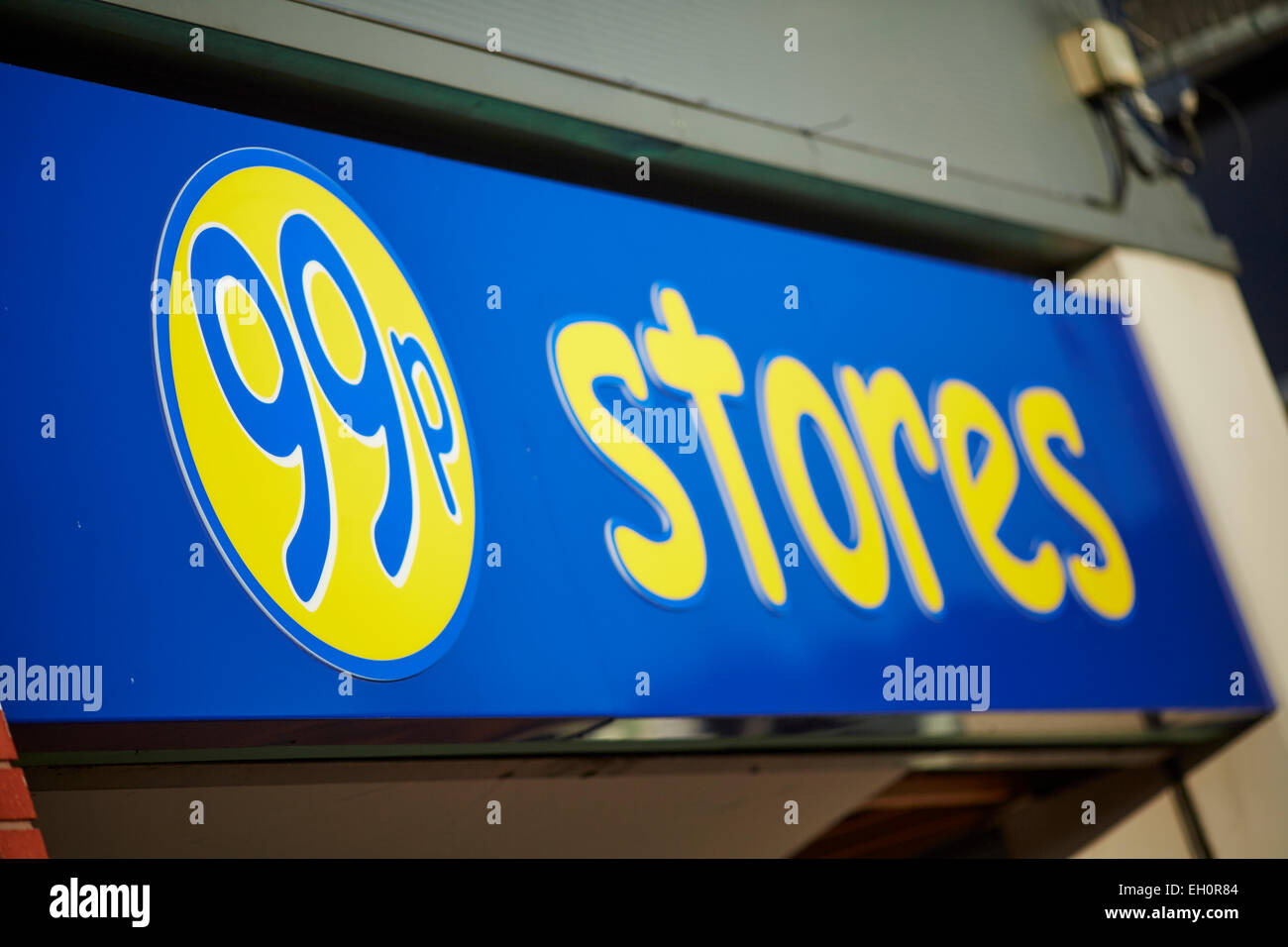 99p store shop sign exterior - Stock Image