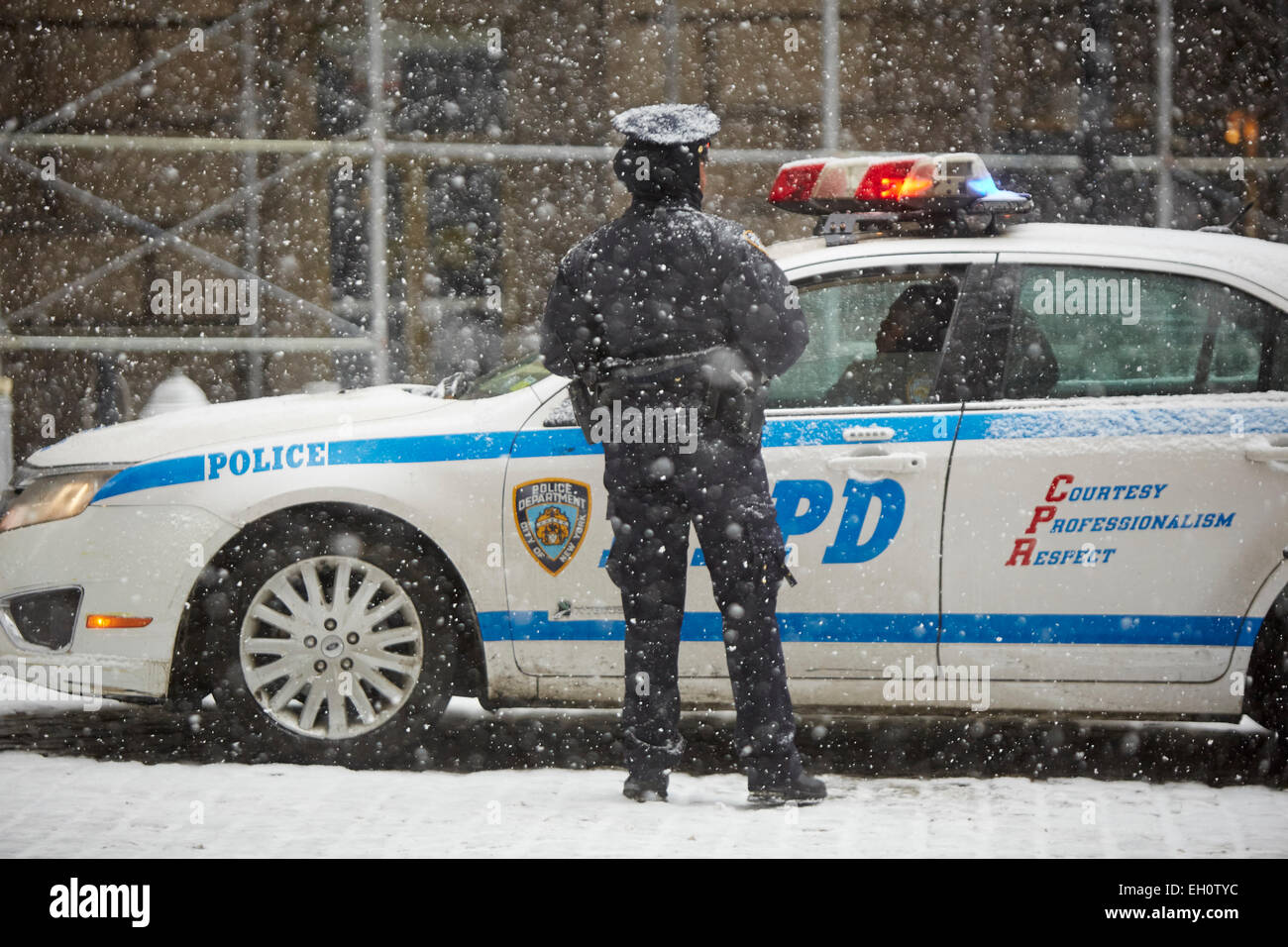 NYPD police officer in Manhattan in New York North America USA - Stock Image