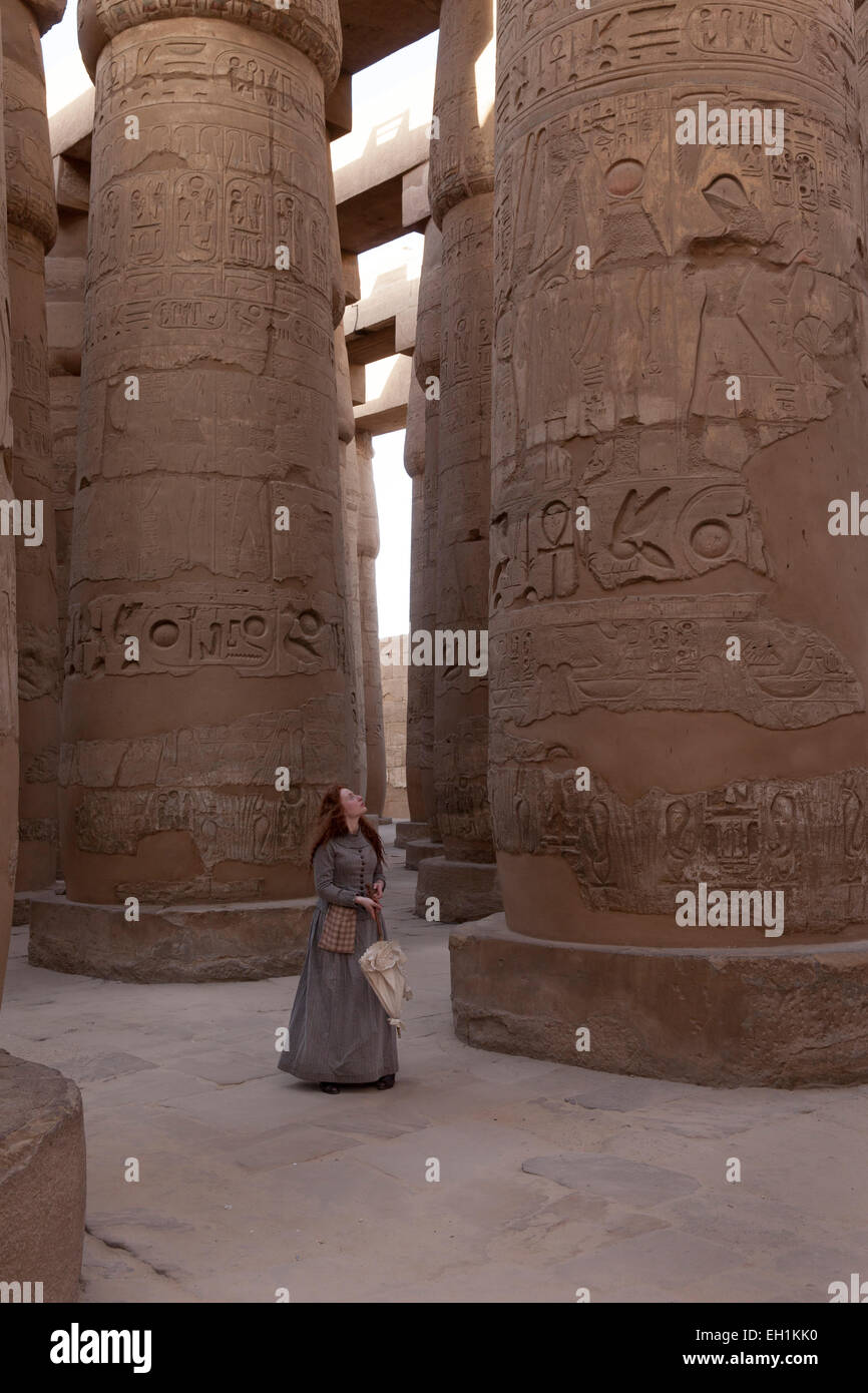 An actress in costume performing a role at Karnak Temple Complex, Luxor, Egypt - Stock Image