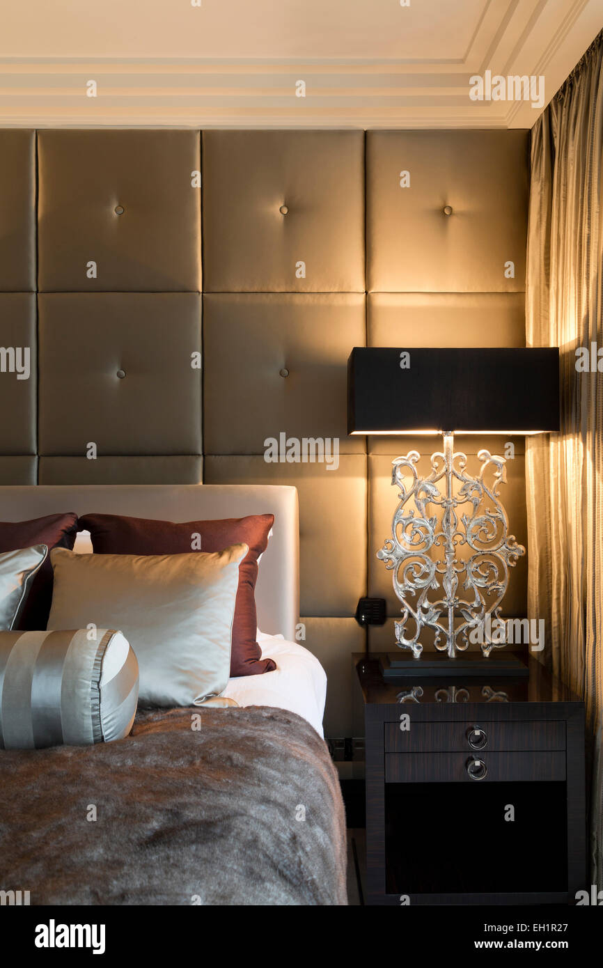 Picture of: Master Bedroom Silk Panelled Wall With Bedside Table And Lamps Stock Photo Alamy