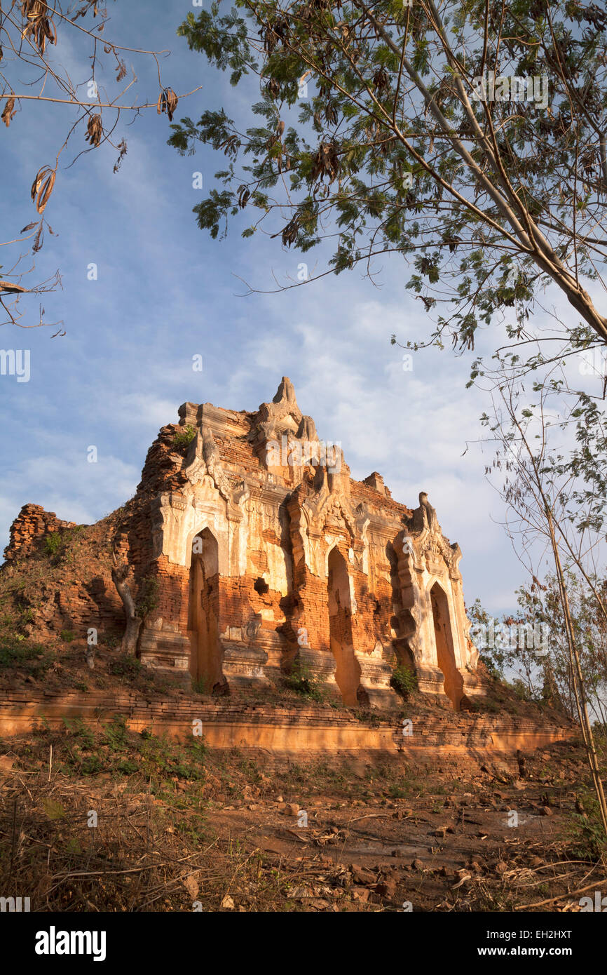 Ruined temple at the ancient Inlay Shwe Inn Tain pagodas, Inle Lake, Myanmar ( burma ), Asia - Stock Image