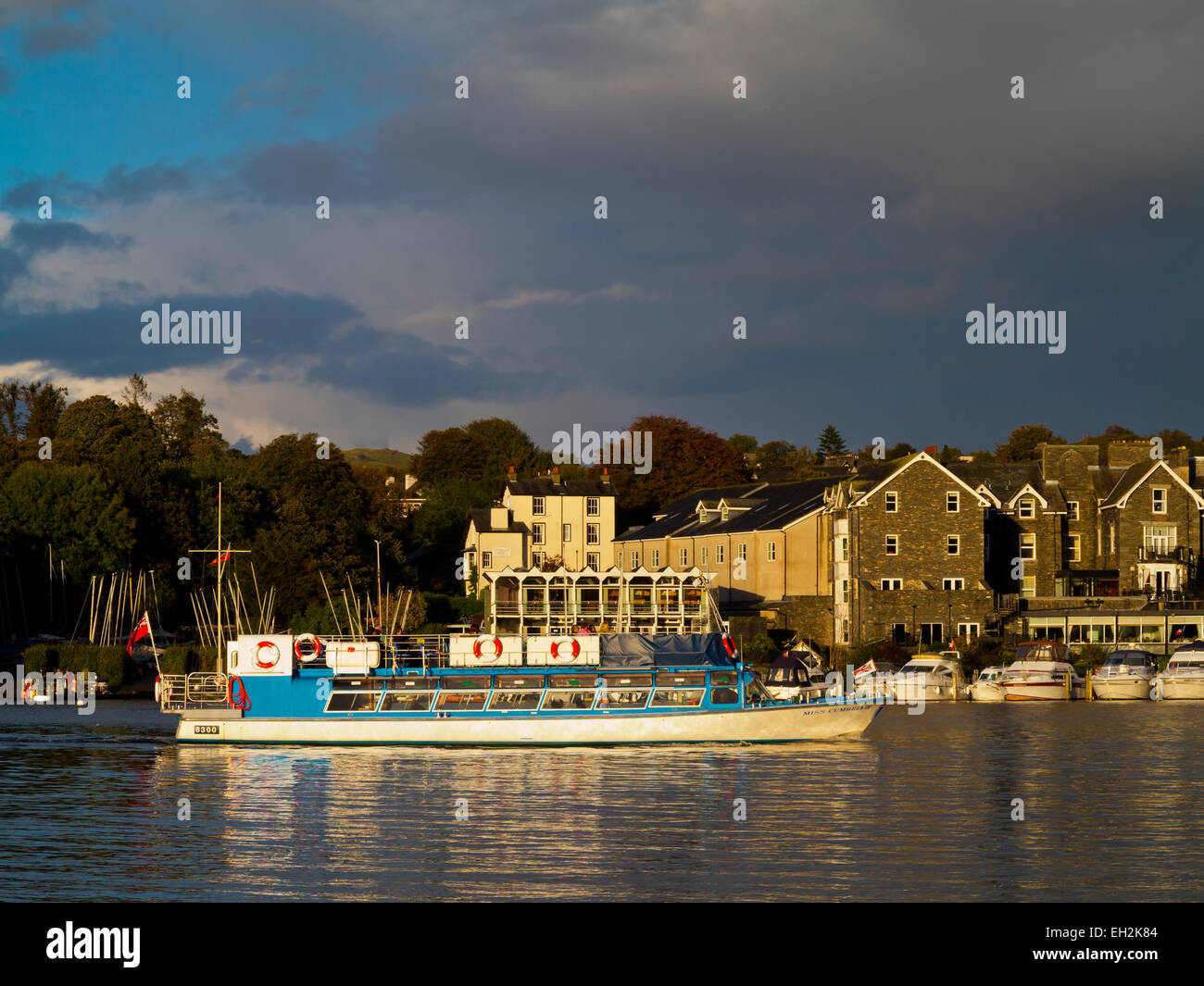 Pleasure boat Miss Cumbria IV arriving at Bowness-on-Windermere in Lake District National Park Cumbria Engalnd UK - Stock Image