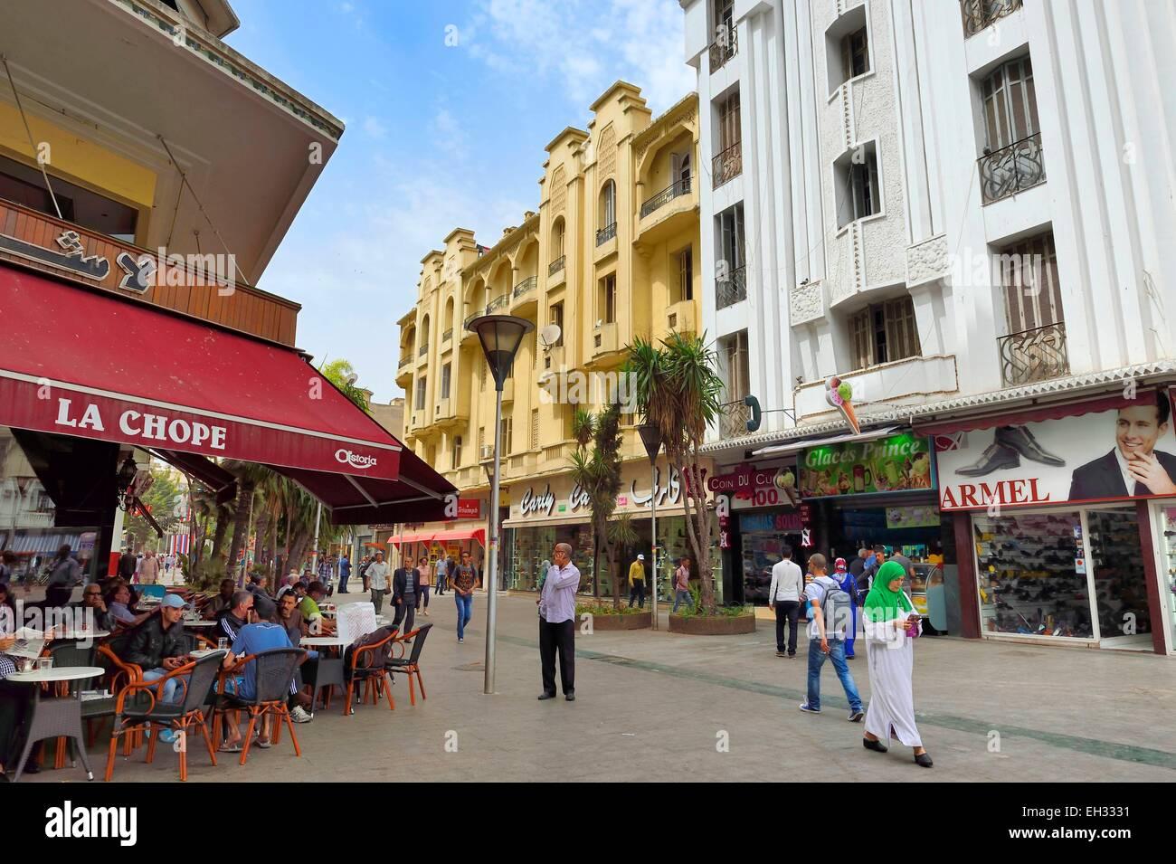 Morocco, Casablanca, place du 16 novembre et rue du Prince Moulay Abdallah, Bennarosh building facing the Baille Stock Photo