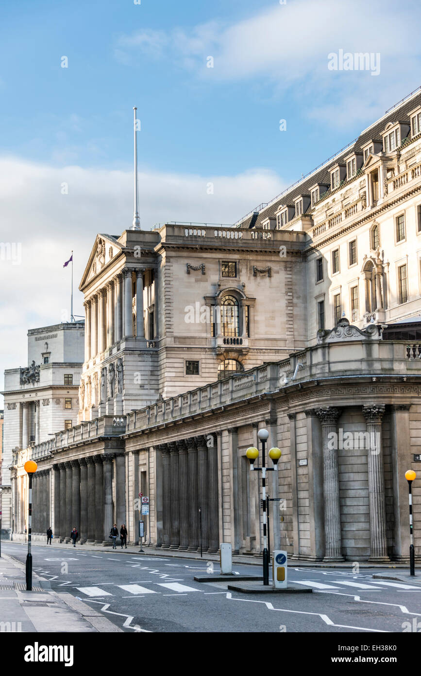 The imposing front of the Bank of England on Threadneedle Street in the City of London - Stock Image