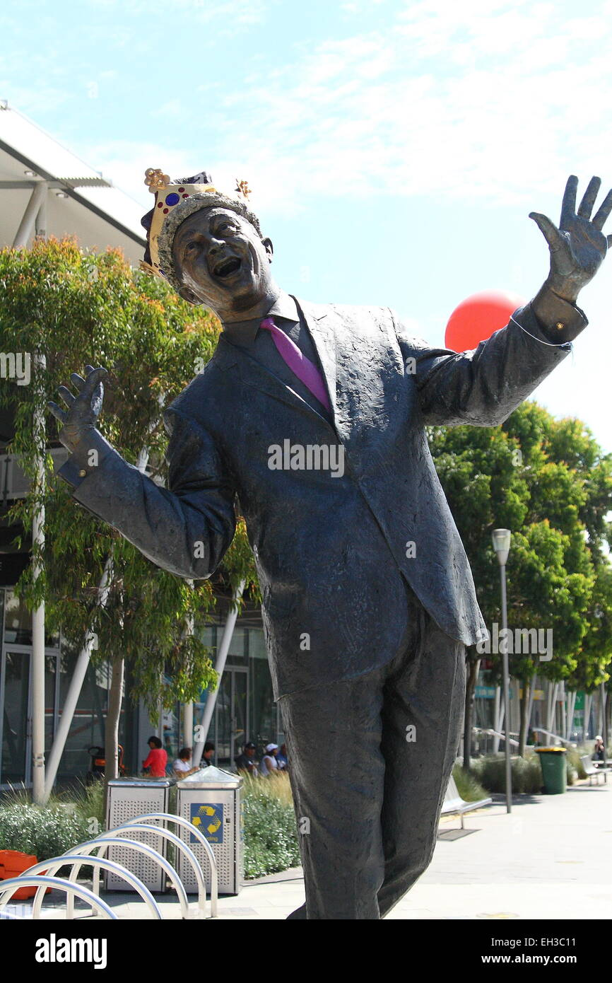 Statue of Graham Kennedy (Australian talk show host) at Waterfront City in Docklands Melbourne - Stock Image