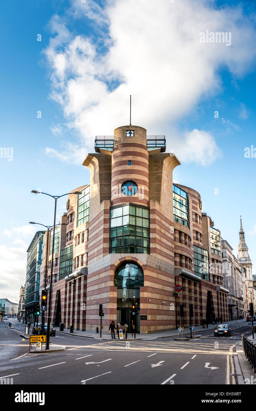 No 1 Poultry is a commercial office development on Bank Junction in the City of London. Coq d'Argent restaurant - Stock Image